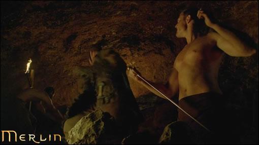 Avec une simple épée Percival sauve tous les chevaliers...