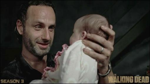 Rick je te présente ta fille... Kickass ! Kickass, voilà ton papounet... il vient juste d'enchaîner pétage de plomb et crise existentielle, donc soit gentille avec lui ;)